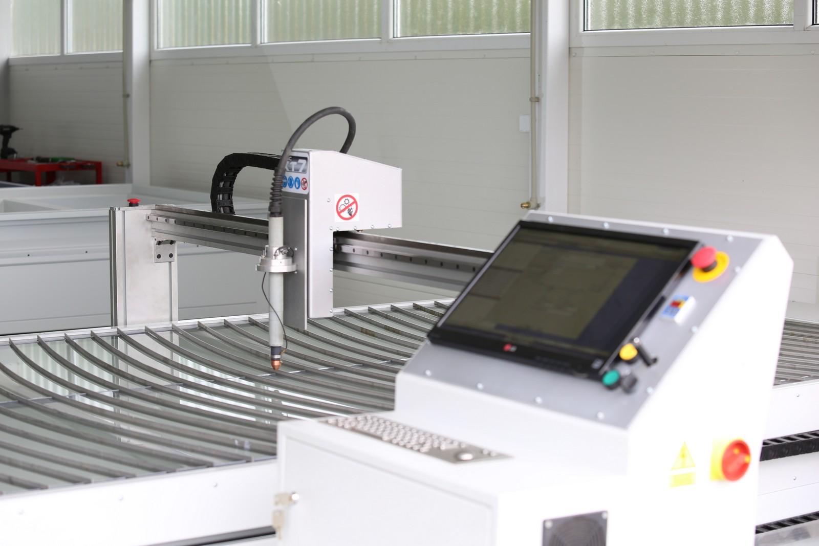 Laser do cięcia blach CNC