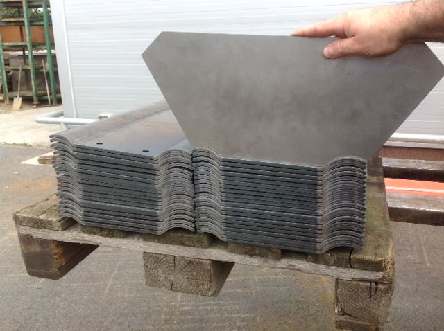 Gięcie stali, Gięcie CNC - materiały do wykonania zamówienia